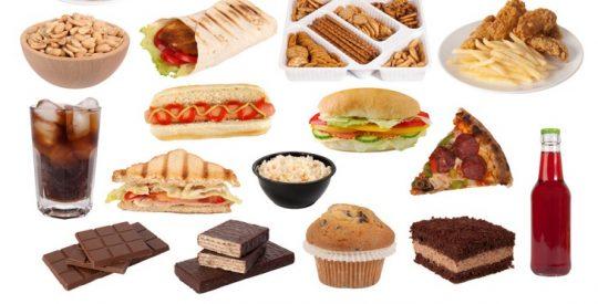 Phụ nữ tiền mãn kinh nên kiên chất béo, đồ ăn cay, thức uống có cồn...