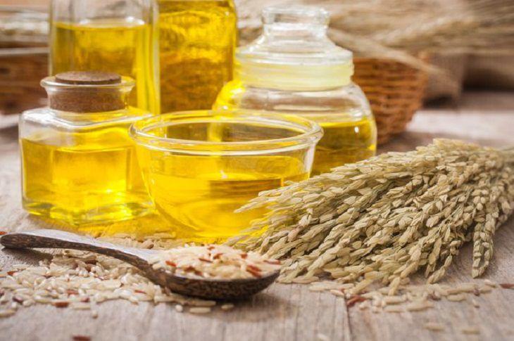 Tự làm tinh dầu cám gạo tại nhà để đảm bảo chất lượng
