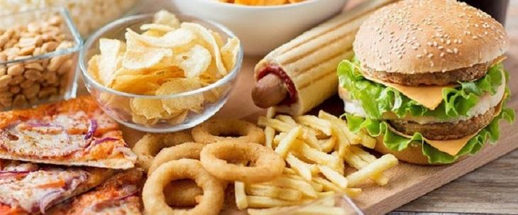 Những thực phẩm không lành mạnh làm tăng tình trạng bệnh chàm ở trẻ