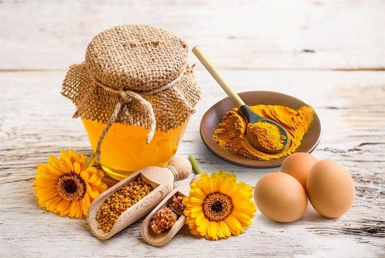 Bài thuốc kết hợp ba nguyên liệu trứng gà, mật ong và nghệ tươi để trị viêm loét dạ dày
