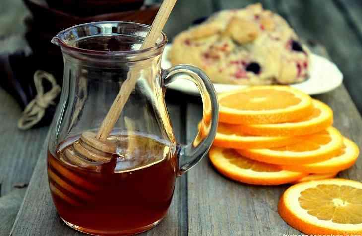Mật ong pha nước cam giúp bổ sung sức đề kháng cho người bệnh