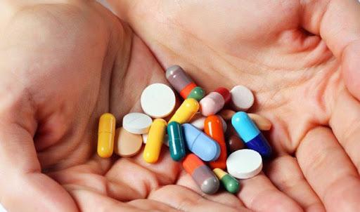 Sử dụng thuốc tây trị đau dạ dày là phương pháp phổ hiến