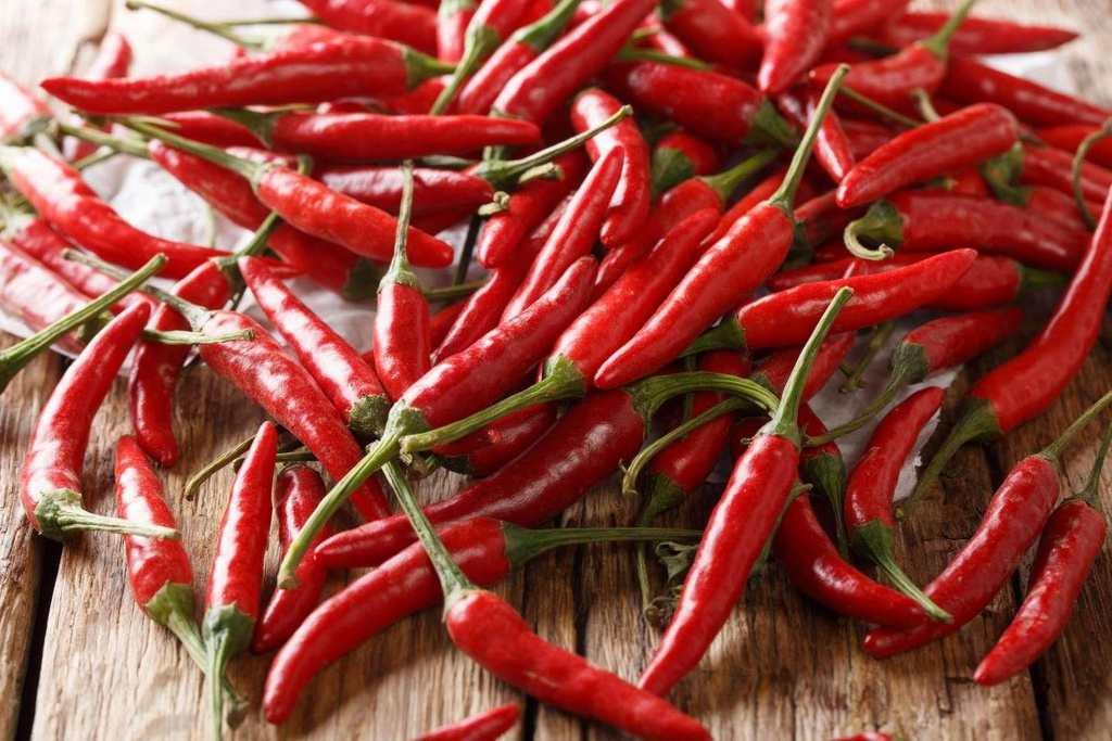 Người mắc bệnh đau dạ dày nên tránh đồ ăn cay nóng
