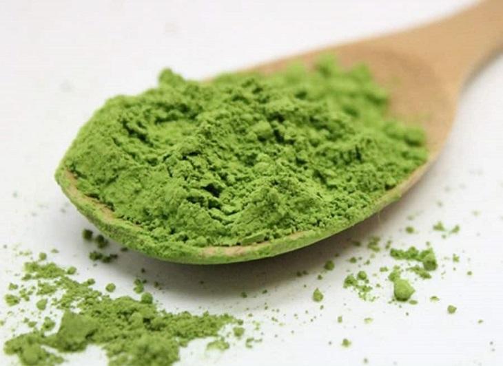 Sử dụng bộ lá neem giúp điều trị hiệu quả tại vị trí bị chàm