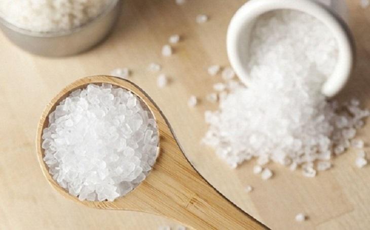 Bài thuốc trị chàm khô chỉ bằng muối