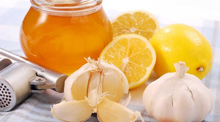 Trị eczema bằng tỏi ngâm mật ong giúp ngăn ngừa vi khuẩn, nâng cao sức đề kháng