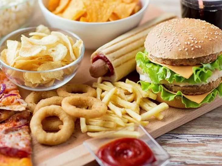 Các thực phẩm chứa nhiều chất béo có hại làm tích tụ độc tố dưới da, bệnh nặng hơn