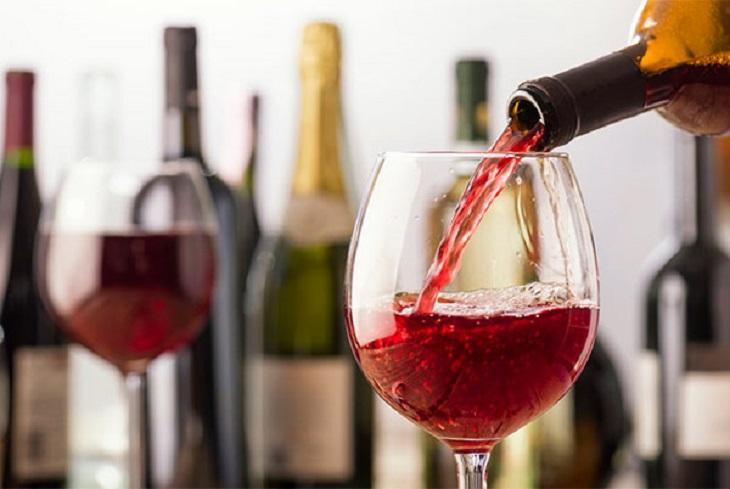 Sử dụng rượu bia làm tăng phản ứng viêm của bệnh viêm da tiếp xúc