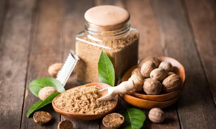Trị eczema bằng hạt nhục đậu