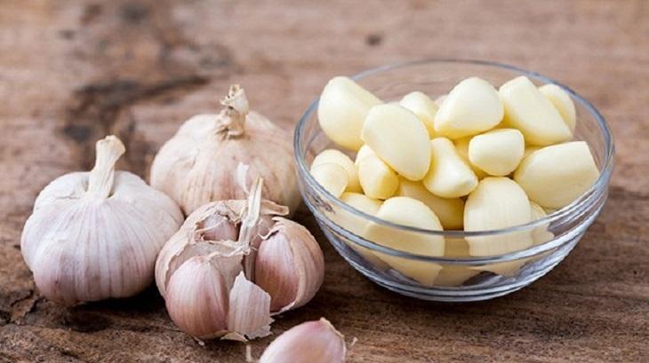 Trị eczema bằng tỏi giúp chống viêm, tăng cường miễn dịch