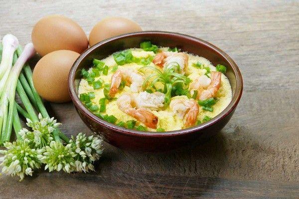 Trứng chưng lá mơ cũng là một bài thuốc dân gian rất tốt