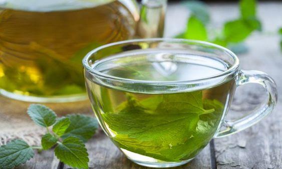 Uống nước lá tía tô còn cho tác dụng đẹp da, giải nhiệt, chữa viêm da cơ địa