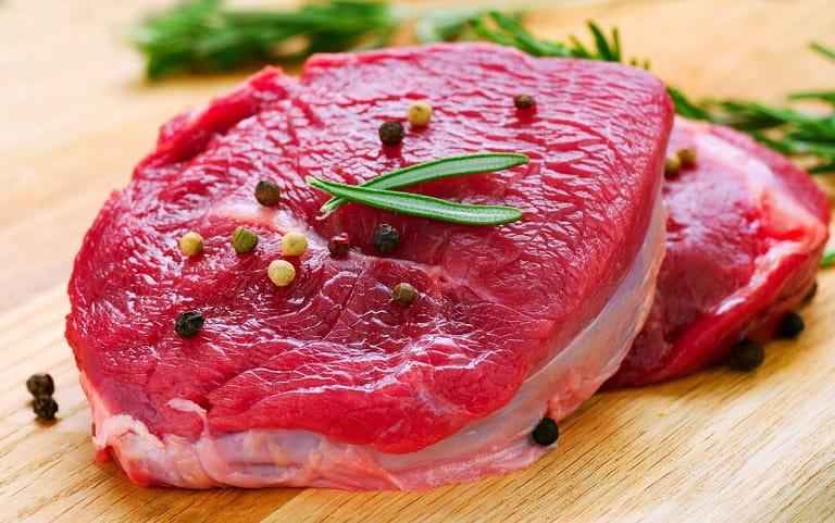 Viêm da dị ứng kiêng ăn gì? Vì sao thịt bò gây dị ứng?