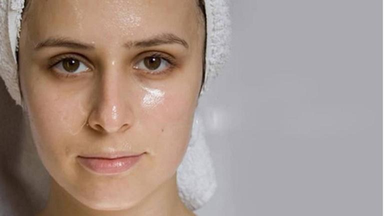 Dấu hiệu nhận biết viêm da tiết bã ở mặt