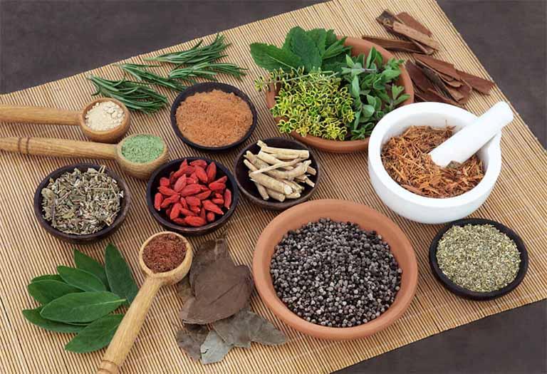 Trong Đông y có nhiều bài thuốc giúp trị bệnh viêm khí quản