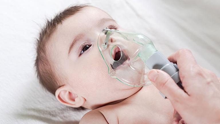 Trẻ sơ sinh và trẻ nhỏ là đối tượng dễ mắc bệnh