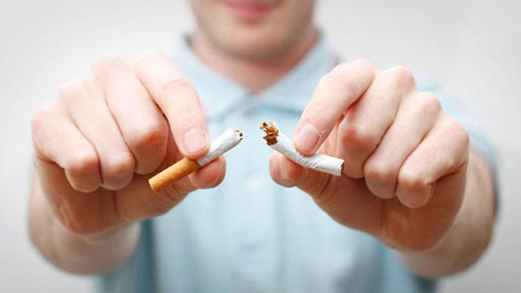 Tránh xa khói thuốc lá là một cách để phòng tránh bệnh viêm phế quản