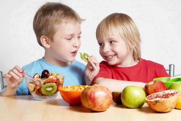 Hãy bổ sung cho trẻ đầy đủ chất dinh dưỡng để tăng cường sức đề kháng
