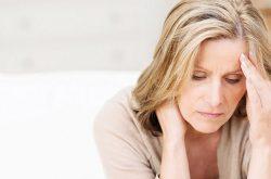 Mãn kinh là giai đoạn chuyển biến cơ thể xảy ra ở mọi phụ nữ