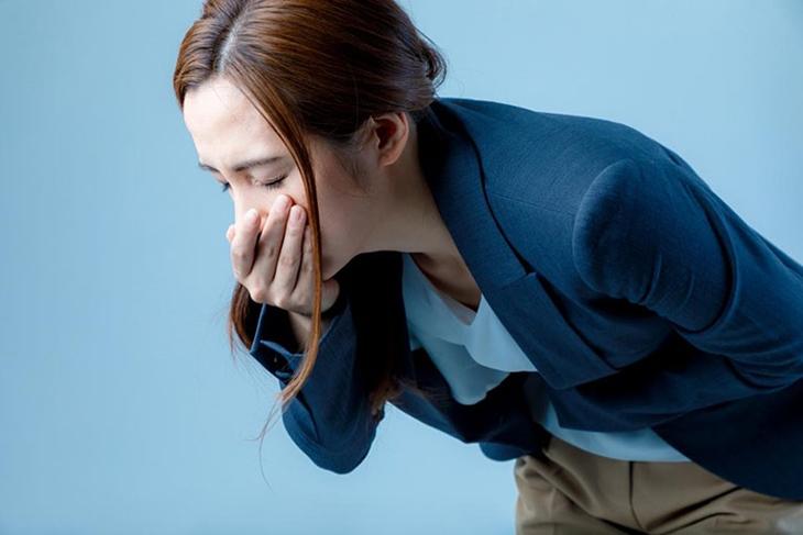 Thuốc Alpha choay có thể gây ra tình trạng nôn hoặc buồn nôn
