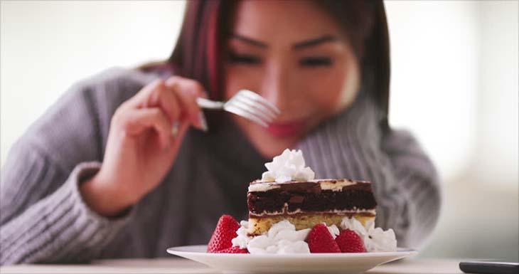 Không dùng thực phẩm chứa nhiều carbohydrate tinh chế khi bị mụn nhọt