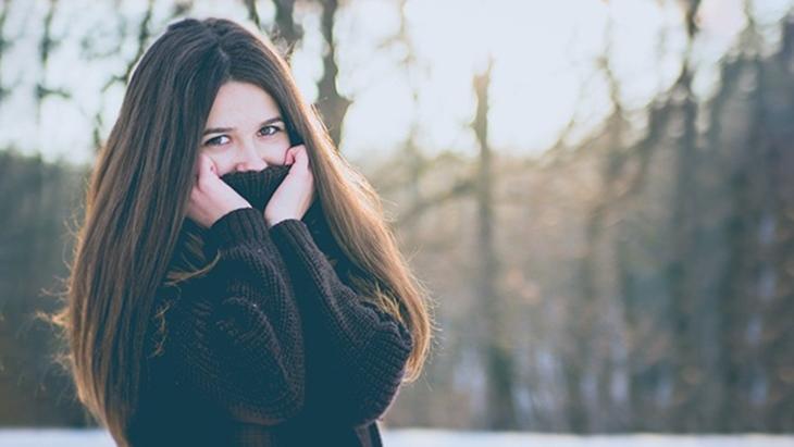 Luôn giữ ấm cơ thể khi trời lạnh để phòng ngừa viêm amidan hiệu quả
