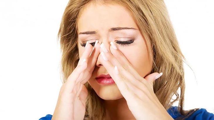 Bị viêm xoang đi nâng mũi có ảnh hưởng gì không?