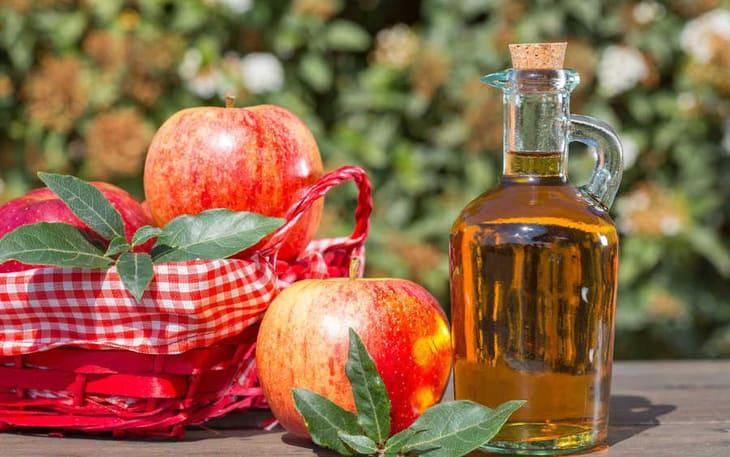 Cách trị huyết trắng vón cục tại nhà bằng giấm táo