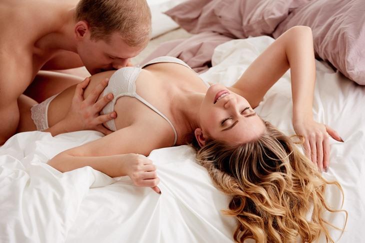 Màn dạo đầu hoàn hảo giúp hai bạn dễ thăng hoa và đạt cực khoái khi yêu