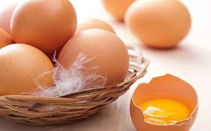 Cách trị mụn bằng nghệ và lòng đỏ trứng gà giúp tăng độ đàn hồi cho da