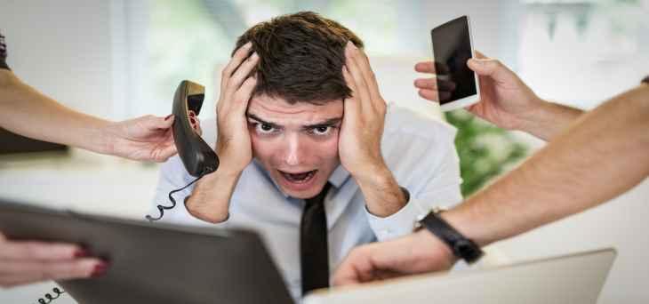 Tình trạng stress kéo dài sẽ khiến quá trình trao đổi chất của tế bào da bị ảnh hưởng, khiến da khô, ngứa.