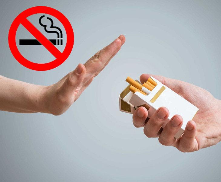 Không nên sử dụng thuốc lá và các chất kích thích sau khi cắt amidan