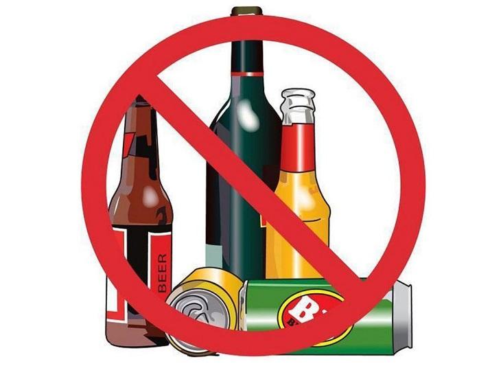 Chị em cần tuyệt đối tránh bia, rượu, đồ uống có ga và chứa nhiều chất hóa học độc hại
