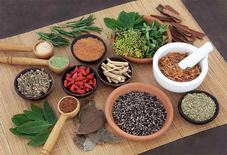 Bài thuốc Đông y chữa mề đay do dị ứng thực phẩm có tính hàn