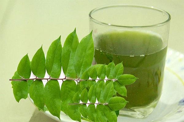 Chữa bệnh vảy nến nhờ uống nước ép lá khế
