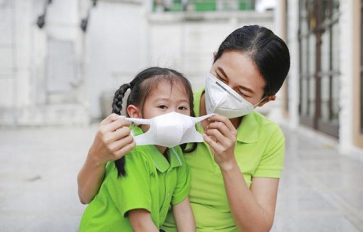 Hãy đeo khâu trang khi ra ngoài để bảo vệ đường hô hấp