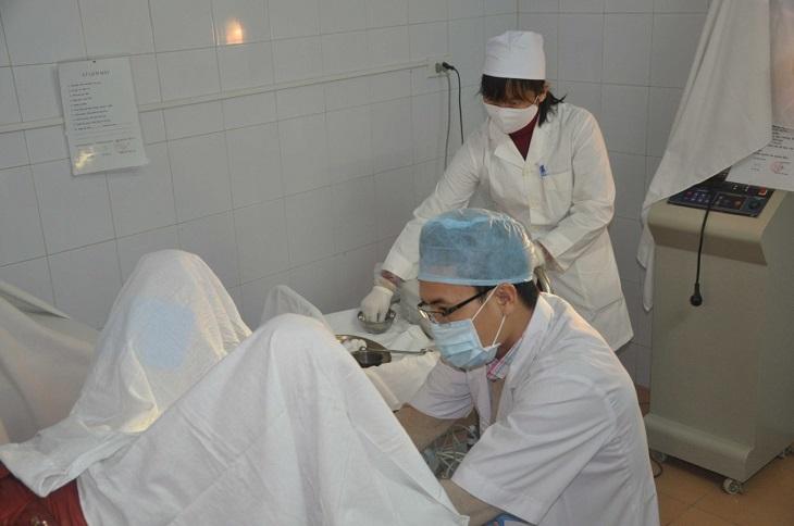 Phẫu thuật sẽ có hiệu quả chữa bệnh cao nhất nhưng tốn kém