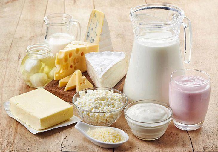 Con bị chàm sữa mẹ kiêng ăn các loại sữa và chế phẩm từ sữa
