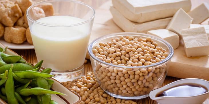 Con bị chàm sữa mẹ kiêng ăn đậu nành, đậu phụ để tránh gây phản ứng dị ứng