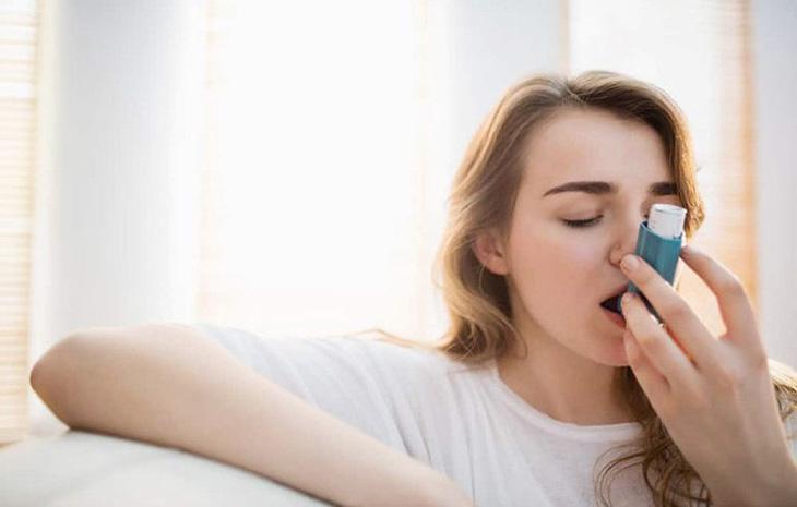 Sau khi hít Corticoid phải súc miệng để tránh nhiễm khuẩn, nhiễm nấm