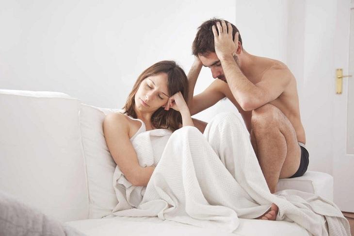 Đau rát khi quan hệ là một trong những biểu hiện của bệnh viêm lộ tuyến 1cm