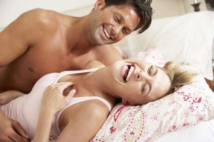 Thoải mái là cách để không bị đau rát khi quan hệ