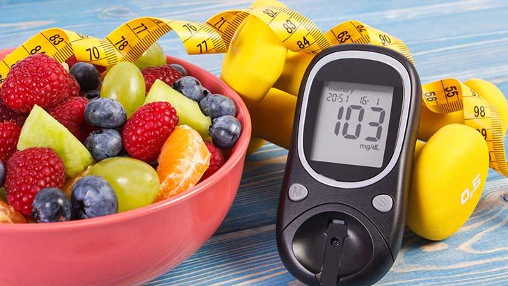 Hơn nữa, chế độ ăn với thực phẩm có chỉ số đường huyết (GI) thấp cũng giúp giảm cân cho người bị buồng trứng đa nang tốt
