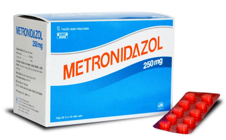 Kháng sinh Metronidazole được sử dụng khi bị viêm da do Demodex