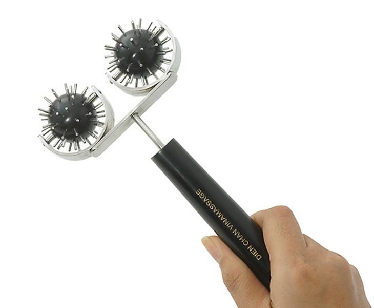 Dụng cụ lăn cầu gai đôi là thiết bị chính của phương pháp trị bệnh