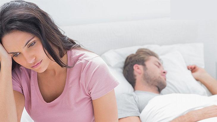 Nhiều chị em bị rối loạn tiền mãn kinh thường bị suy giảm ham muốn tình dục, thờ ơ với bạn tình