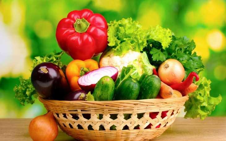 Những người ngứa da nên tăng cường bổ sung rau xanh, giúp cấp ẩm cho da, bớt kích ứng