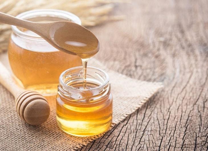 Mật ong giúp kháng viêm và phục hổi tổn thương da tốt