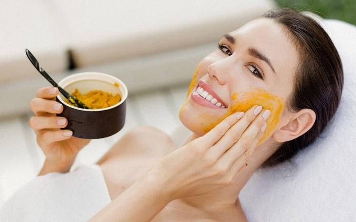 Mặt nạ tinh bột nghệ tái tạo cấu trúc da và nuôi dưỡng da sau khi nhiễm Corticoid