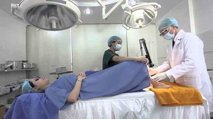 Phương pháp RFA điều trị viêm lộ tuyến là cách sử dụng sóng cao tần chiếu vào tử cung loại bỏ tế bào bệnh